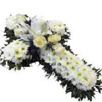 Cross-wreath